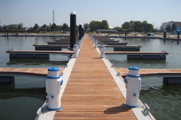 Aluminium floating pontoon with wooden floor