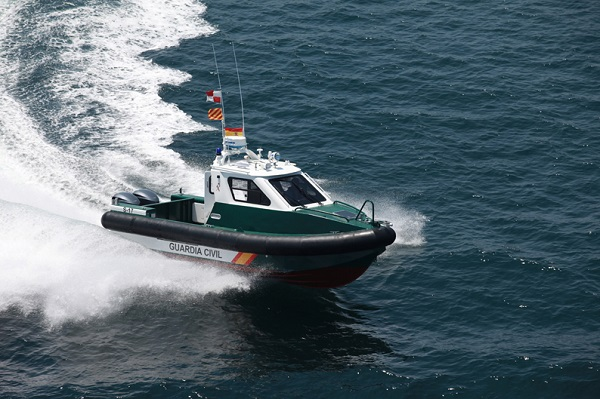 Intervention boat