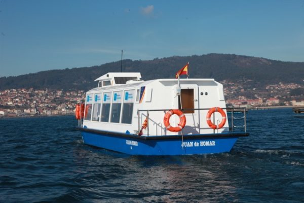 Aluminium electric boat for transport passengers