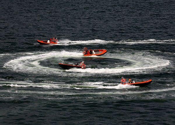 Aluminium rescue boat