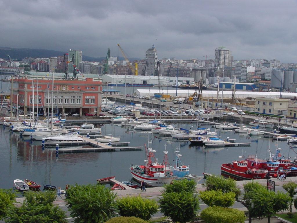 Floating docks for marinas
