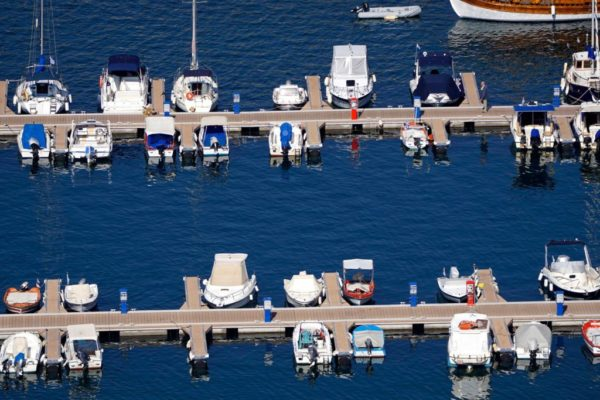 Installation and manufacture of marinas