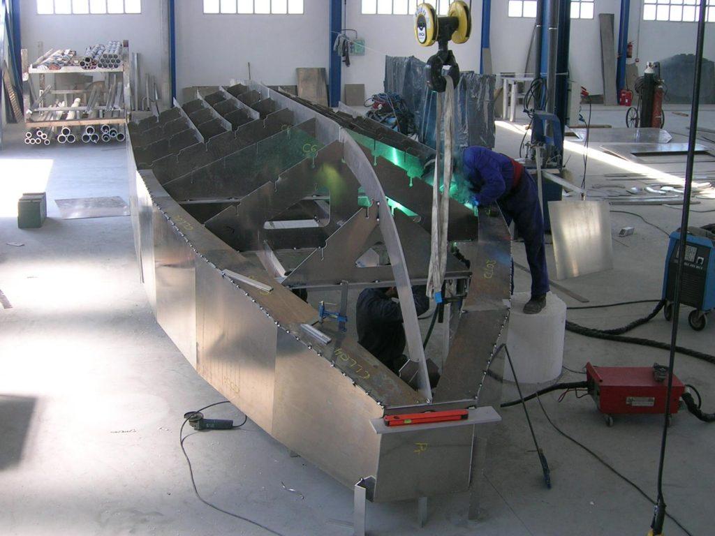 Los barcos de aluminio profesionales son más resistentes que los de acero o GRP