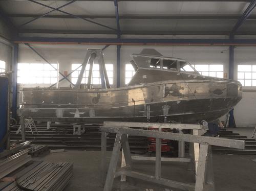 Los barcos de aluminio son más ligeros que los de acero o fibra de vidrio