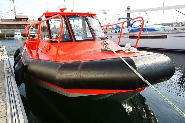 Aluminium dive support boat