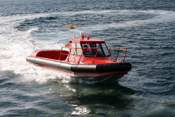 Barco de trabajo de aluminio con motores fueraborda