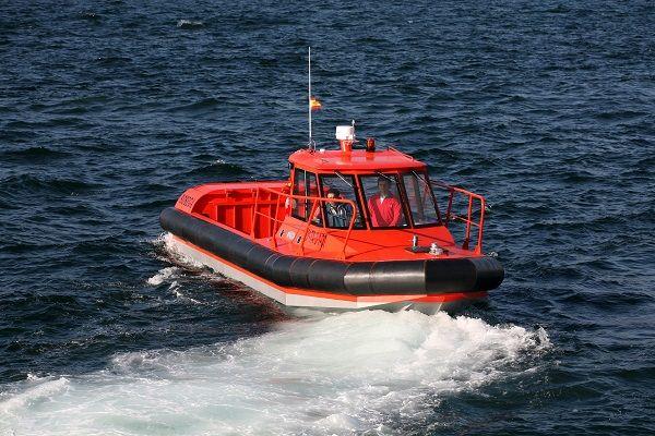 Embarcación de apoyo para buceo
