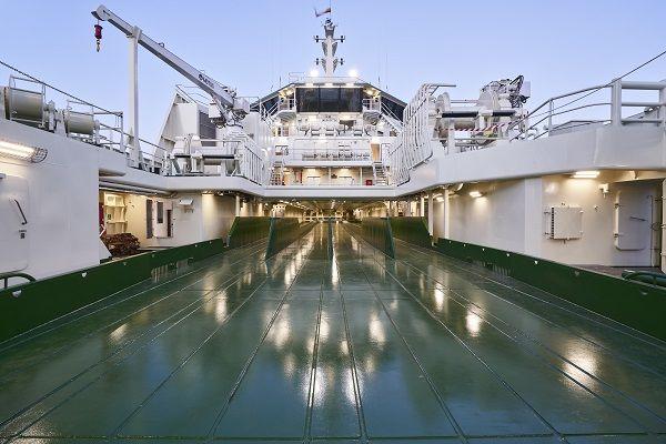 Puente de aluminio para barco